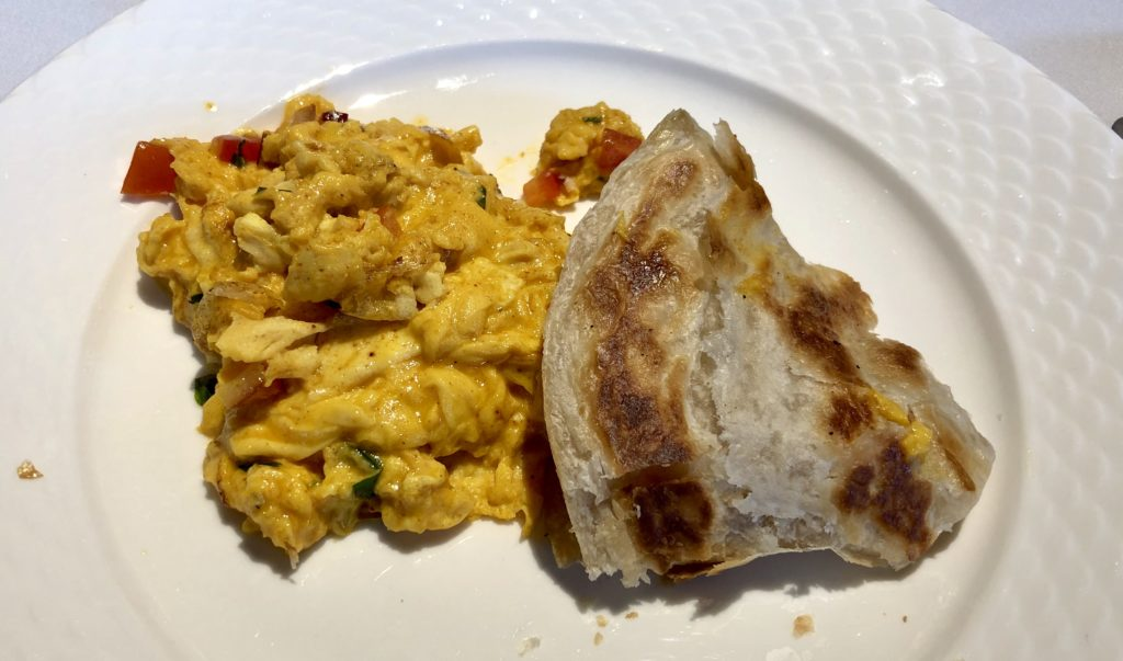 Akoori scrambled egg with roti